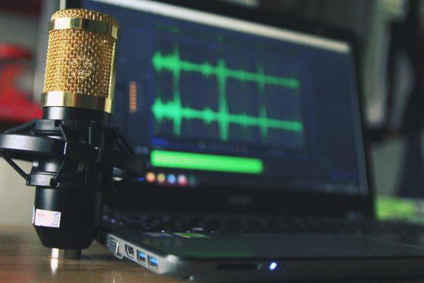 Mikrofon-do-nagrywania-dzwieku
