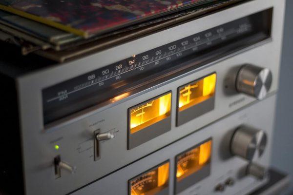 Radio-z-zapalonymi-swiatelkami